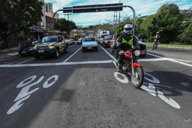 Bolsões para motos são novidade nos cruzamentos de Porto Alegre Isadora Neumann / Agência RBS/Agência RBS