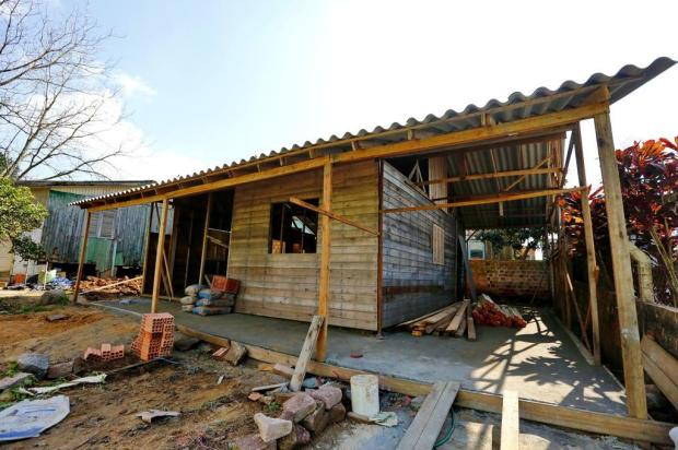 Empresa vende casas pré-prontas, cobra adiantado e não entrega imóveis na Região Metropolitana Robinson Estrásulas/Agencia RBS