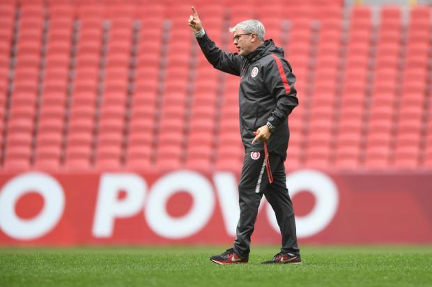 """Guerrinha: """"Odair poderia escalar jogadores que foram pouco aproveitados no Inter"""" Ricardo Duarte / Inter, Divulgação/Inter, Divulgação"""