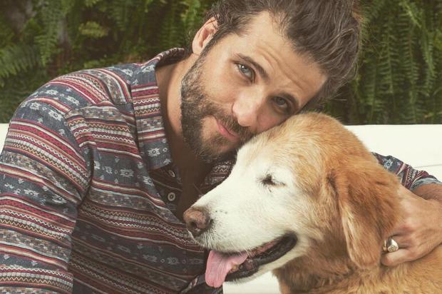 """Bruno Gagliasso e Gio Ewbank lamentam morte do cãozinho Zeca: """"Estamos destruídos"""" Instagram/Reprodução"""
