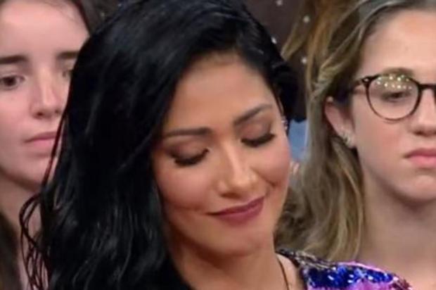 """Simaria conta que foi maquiada em cama de hospital para participar do """"Altas Horas"""" Reprodução/TV Globo"""