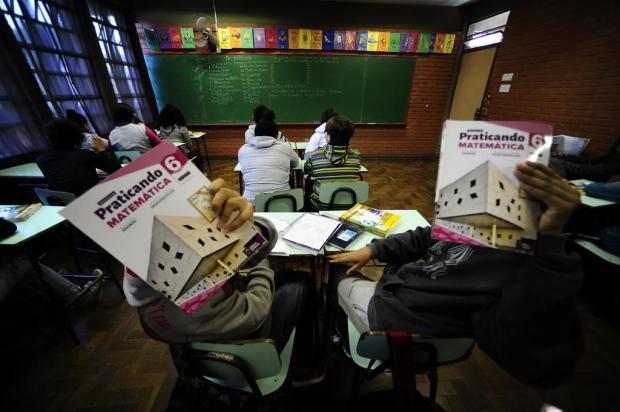 Smed indica professora de ciências para atender alunos que ainda não tiveram matemática neste ano Ronaldo Bernardi/Agencia RBS