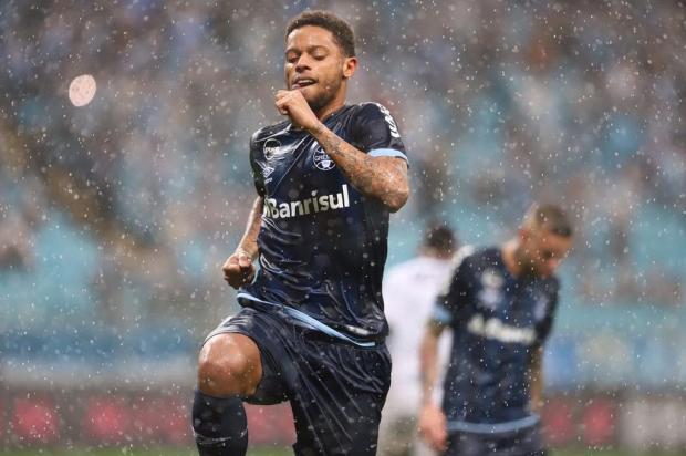 """Cacalo: """"Na espera por um centroavante para o Grêmio"""" Carlos Macedo/Agencia RBS"""