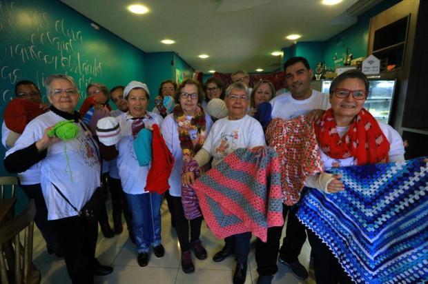 Em Cachoeirinha, grupo faz peças de tricô e crochê para doar Isadora Neumann/Agencia RBS