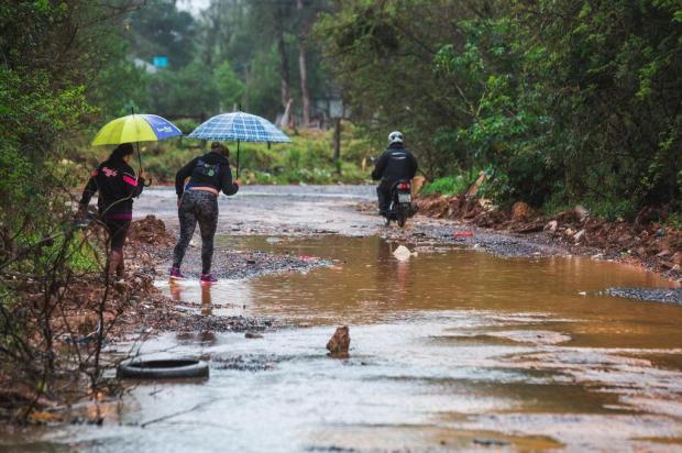 Estrada do Nazário: aqui, o desafio é trafegar Omar Freitas/Agencia RBS
