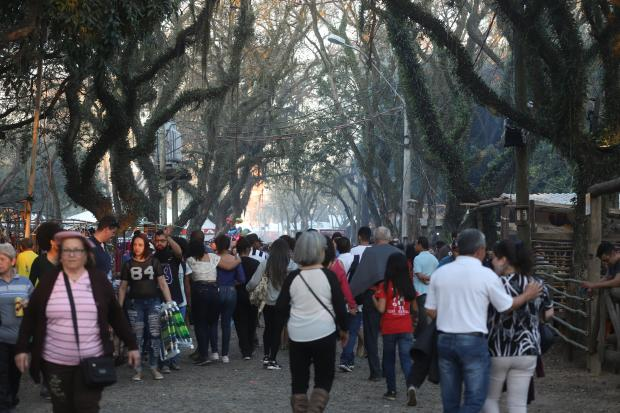 Feriado de sol e grande público marcam abertura oficial do Acampamento Farroupilha Isadora Neumann / Agência RBS/Agência RBS