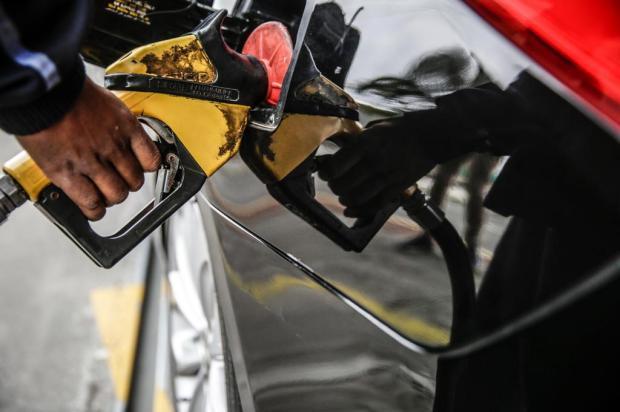 Preço da gasolina cai 26 centavos em Porto Alegre nas últimas quatro semanas Diorgenes Pandini/Diario Catarinense