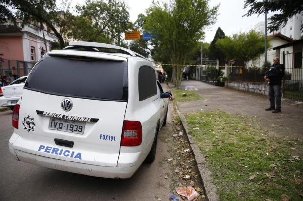 Jovem é morto a tiros em frente a escola no bairro Teresópolis, em Porto Alegre Félix Zucco/Agencia RBS