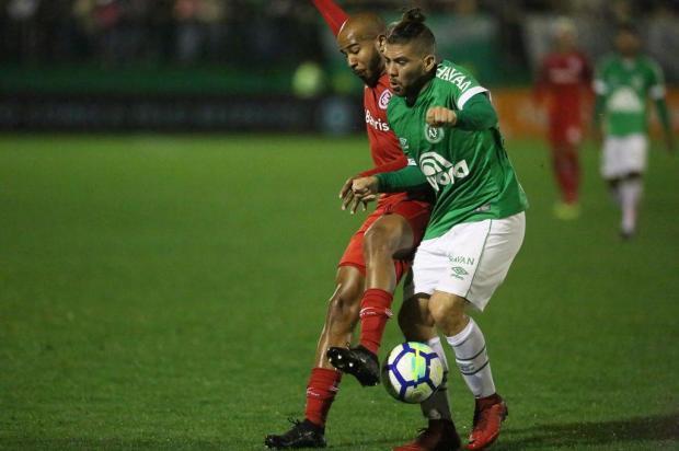 """Guerrinha: """"Inter precisa repensar algumas coisas se quiser botar a mão no caneco"""" Sirli Freitas/Chapecoense"""