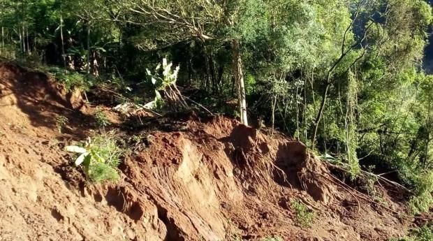 Em Taquara, deslizamento de terra interrompe acesso à Estrada do Feixe, no interior da cidade Arquivo Pessoal / Leitor DG/Leitor DG