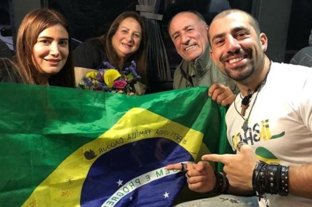 Após sete anos de separação, ex-BBB Kaysar reencontra família síria no Brasil Reprodução/Instagram