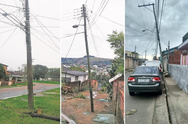 Postes com risco de queda assustam moradores em vários bairros de Porto Alegre Arquivo Pessoal / Leitores/DG/Leitores/DG