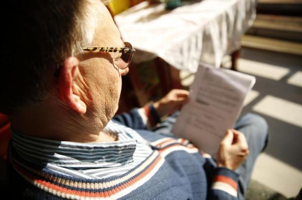Casas de papel: aposentado perdeu R$ 10 mil ao comprar moradia para filha Camila Domingues/Agencia RBS