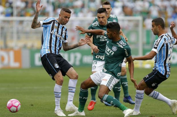 "Guerrinha: ""Grêmio sepultou a chance de brigar pelo caneco"" Daniel Vorley / AGIF/Lancepress/AGIF/Lancepress"