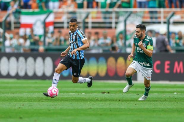 """Cacalo: """"Chegou a hora de repensar o meio-campo"""" Lucas Uebel / Grêmio/Divulgação/Grêmio/Divulgação"""