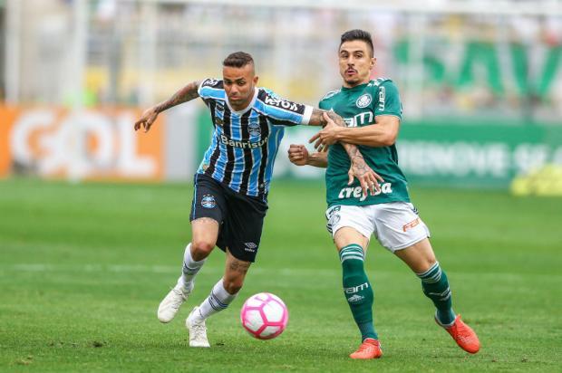 "Luciano Périco: ""A dura vida de Renato para resolver os problemas do Grêmio"" Lucas Uebel / Grêmio/Divulgação/Grêmio/Divulgação"