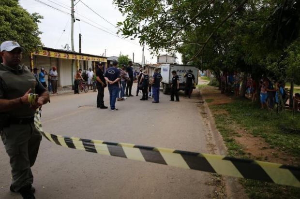 Dois jovens morrem em tiroteio próximo a escola em Alvorada Robinson Estrásulas/Agencia RBS