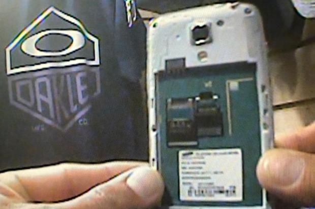 Fraude permite driblar bloqueio de telefones celulares roubados no Estado RBS TV/Reprodução