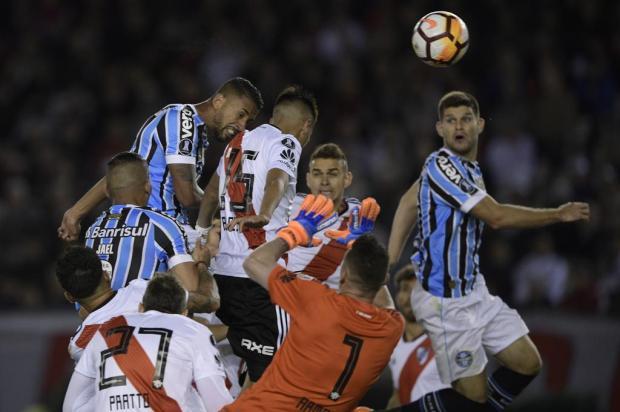 """Guerrinha: """"Exército do Grêmio conquistou uma grande vitória"""" JUAN MABROMATA/AFP"""
