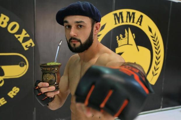 Conheça o lutador de MMA 100% gaudério Júlio Cordeiro/Agencia RBS