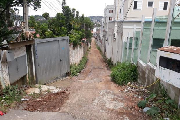 Sofrendo com constantes quedas de luz, moradores pedem nova rede elétrica para rua na zona sul da Capital Arquivo Pessoal / Leitor/DG/Leitor/DG