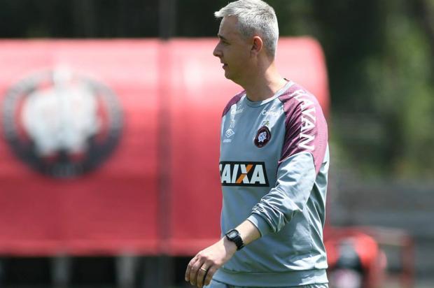 """Luciano Périco: """"Se Renato sair, um bom nome é Tiago Nunes, do Atlético-PR"""" Atlético-PR / Divlgação/Divlgação"""