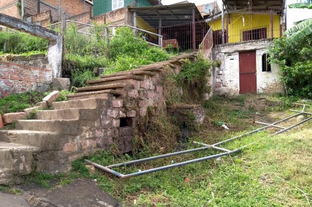 Abandono de escadaria causa medo em moradores do bairro São José, em Porto Alegre Arquivo Pessoal / Leitor/DG/Leitor/DG