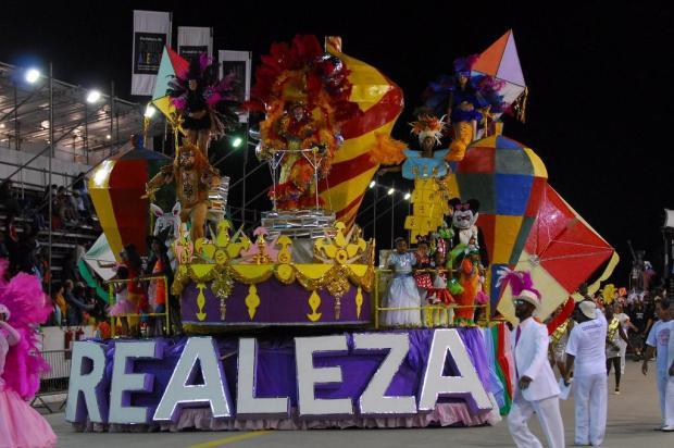Renato Dornelles dá as dicas para o samba Cristiano Estrela/Agencia RBS