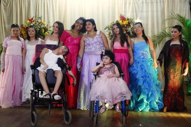 Sonho de debutantes é realizado na Lomba do Pinheiro Anselmo Cunha/Especial
