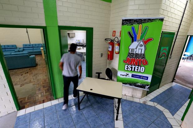 República para moradores de rua recebe os primeiros hóspedes, em Esteio Júlio Cordeiro / Agência RBS/Agência RBS