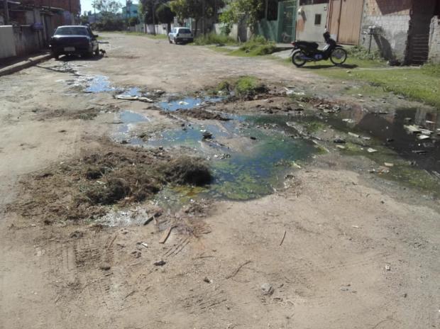 Moradora do Jardim Aparecida, em Alvorada, enfrenta problemas causados por esgoto a céu aberto LeitorDG / Arquivo Pessoal/Arquivo Pessoal