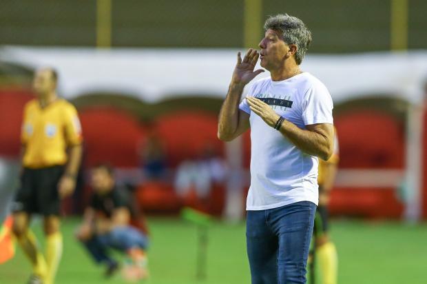 """Guerrinha: """"Quando parecia que Renato ia para o Flamengo, Grêmio anunciou sua permanência"""" Lucas Uebel / Grêmio, Divulgação/Grêmio, Divulgação"""