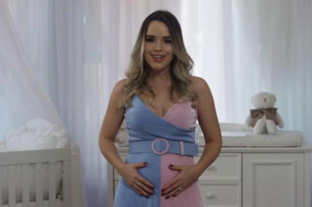 Cantora Thaeme, da dupla com Thiago, anuncia nascimento da filha via redes sociais Reprodução/Instagram