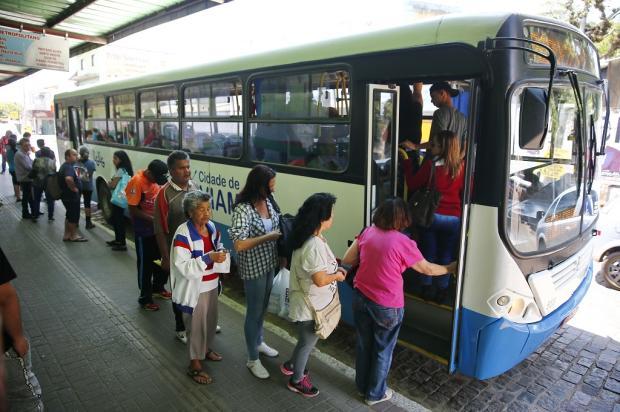 Demora nos ônibus de Viamão gera reclamações entre passageiros Félix Zucco / Agência RBS/Agência RBS