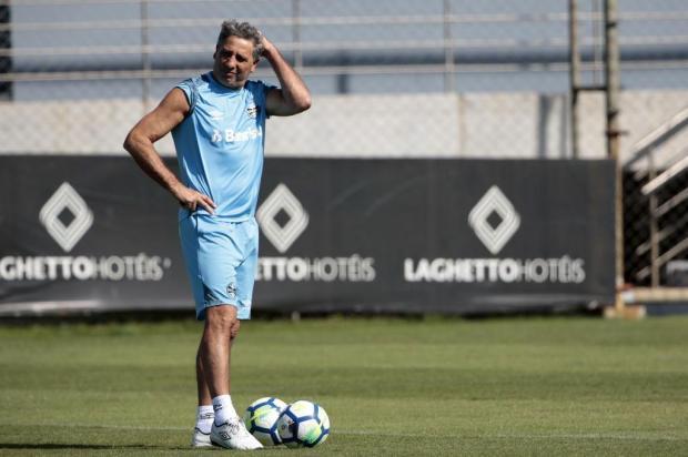 """Cacalo: """"Como ficam aqueles que disseram que Renato sairia do Grêmio?"""" André Ávila/Agencia RBS"""