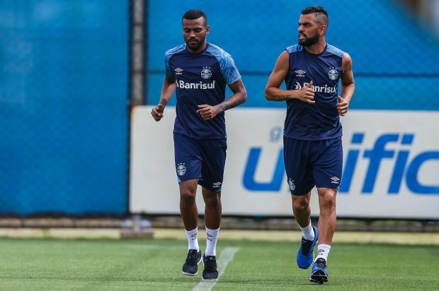 """Cacalo: """"O ideal para as equipes é mesclar jovens com atletas mais experientes"""" Lucas Uebel / Grêmio/Divulgação/Grêmio/Divulgação"""