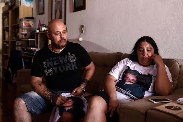 """""""Pensei que estava pegando fogo no hospital"""", diz tia que viu jovem ser morto por engano em São Leopoldo Carlos Macedo/Agencia RBS"""