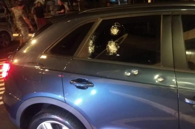 Alvo de assalto, mulher em carro blindado persegue criminosos até serem presos em supermercado Polícia Civil/Divulgação