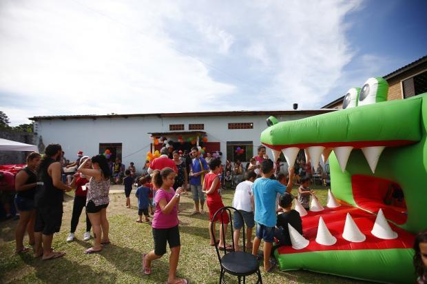 Festa de Natal no Belém Novo reúne 300 crianças, em Porto Alegre Félix Zucco / Agência RBS/Agência RBS
