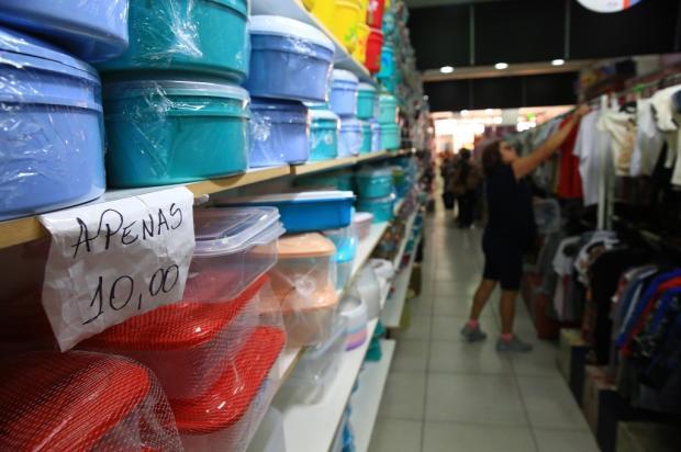 Lojas com preço único de R$ 10 são opção para compras de Natal Tadeu Vilani / Agência RBS/Agência RBS