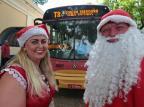 Papai Noel motorista e Mamãe Noel cobradora espalham carinho e alegria pelo trânsito da Capital Fernando Gomes/Agencia RBS