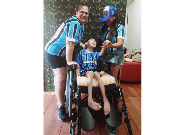 Joãozinho ganha cadeira de rodas nova, após reportagem do Diário LeitorDG / Arquivo Pessoal/Arquivo Pessoal