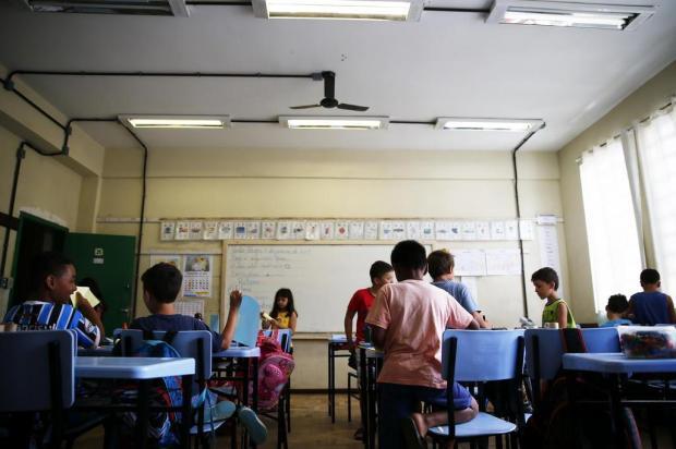 Alunos sofrem com o calor em escola da rede municipal de Porto Alegre Félix Zucco/Agencia RBS