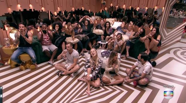 """""""BBB 19"""": votação é aberta e brothers se enfrentam em """"superparedão"""" Reprodução / TV Globo/TV Globo"""