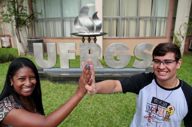 Alunos de cursinho popular comemoram aprovação na UFRGS Fernando Gomes/Agencia RBS