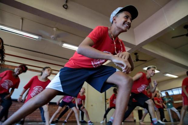 Escola de dança pede ajuda para reforma de sala Fernando Gomes/Agencia RBS
