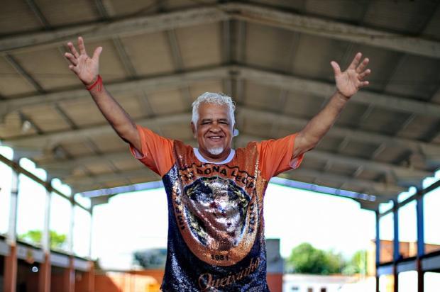Ex-Rei Momo e eterno animador, Queixinho comemora seis décadas de Carnaval Júlio Cordeiro / Agência RBS/Agência RBS