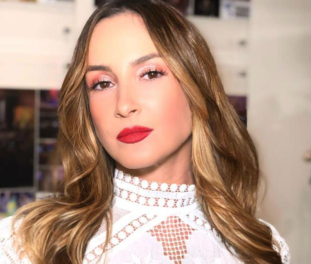 Claudia Leitte defende Sabrina Sato de críticas por desfilar depois de dar à luz Reprodução / Instagram/Instagram