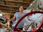 Moradora de Alvorada arrecada e vende recicláveis para pagar castração de animais de rua Fernando Gomes/Agencia RBS