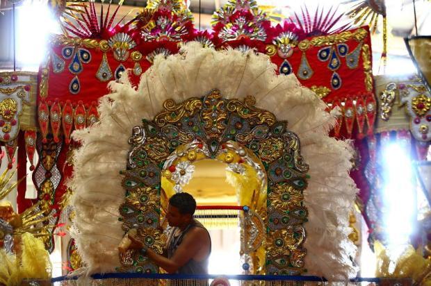 Confira o que as seis escolas de samba da Série Ouro do Carnaval de Porto Alegre vão apresentar na Avenida Lauro Alves/Agencia RBS